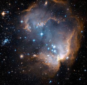 2048px-NGC602